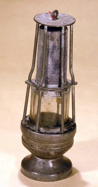 Coal oil lamp dating 4